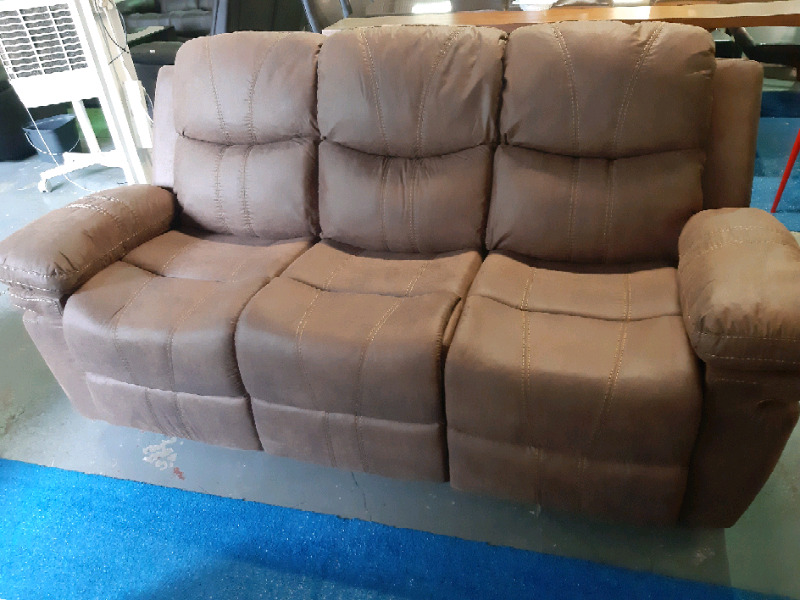 Dune 321 5 action Recliner Set Brand New with Rocking Chair