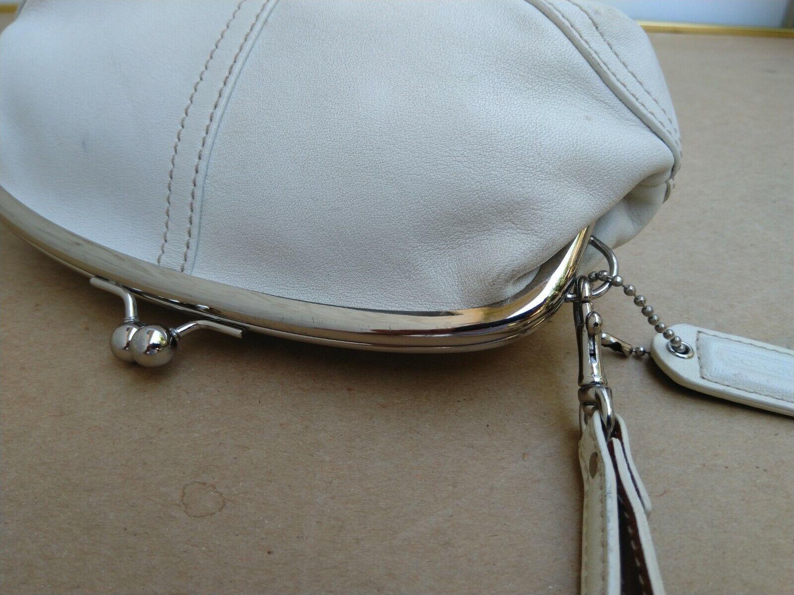 Coach Vtg Soho Kisslock Ivory Leather Framed Wris… - image 9