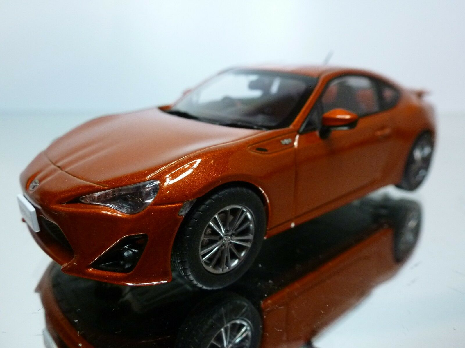 EBBRO 44775 TOYOTA GT86 - COPPER 1 43 - EXCELLENT - 35
