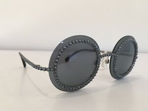 cc67ae638df Auth CHANEL 71140 L0844 3N Silver Gray Round Pearls Mirrored Runway ...