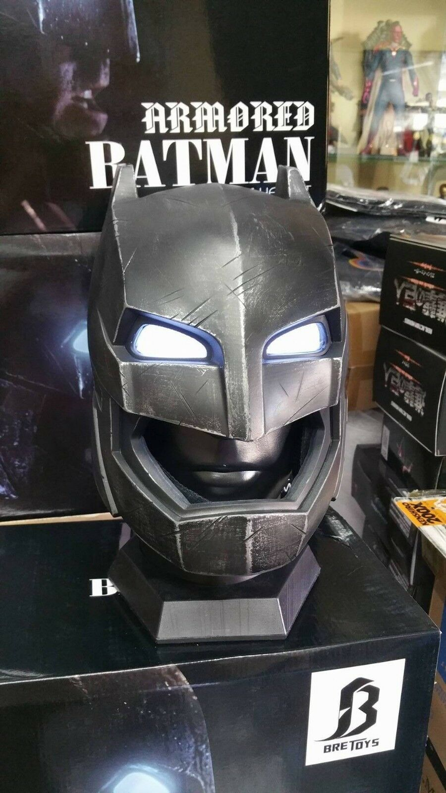 BRE TOYS BATMAN ARMORED HELMET CASCO 1 1 FULL SCALE INDOSSABILE LED EYES