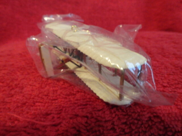 1997 THE FLIGHT AT KITTY HAWK SKYS THE LIMIT HALLMARK ORNAMENT, NEW IN BOX