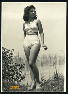 Larger-size-vintage-Photograph-pretty-girl-in-swimsuit-1940-s-Hungary