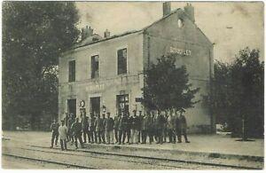 Carte-Postale-CPA-Saint-Souplet-Nord-Bahnhof-La-Gare-Soldats