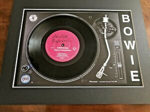 David-Bowie-Absolute-Beginners-Genuine-7-034-Single-on-a-Record-Player-Print