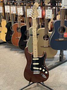 Fender-Deluxe-Roadhouse-Stratocaster