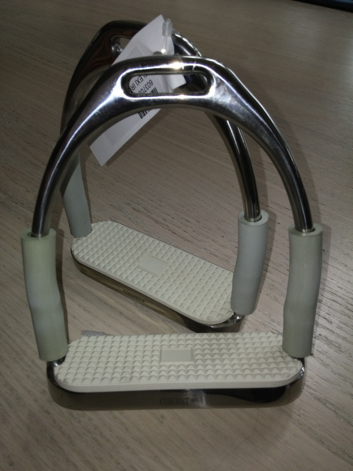 nuovo CoroNET FLEXI JOINTED STAINLESS STIRRUP IRONS with bianca pads grigio sides 5