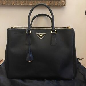 PRADA SAFFIANO LUX LARGE BLACK DOUBLE-ZIP TOTE w GOLD HARDWARE LOGO ... 8a3674876bb63