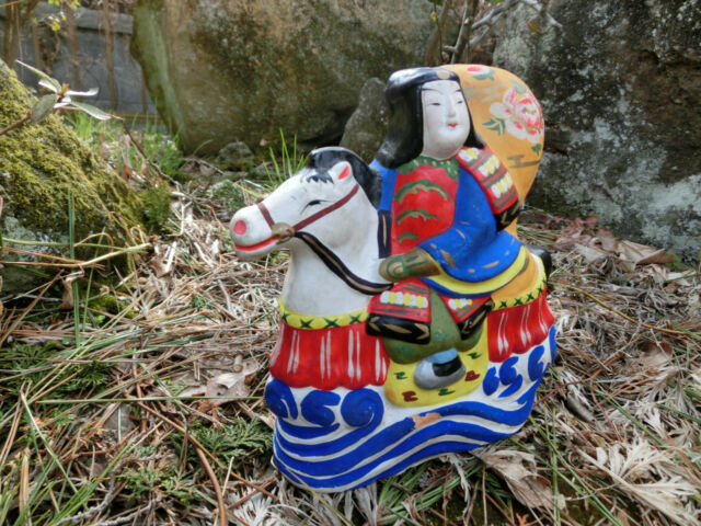Japanese antique clay doll Samurai wearing armor riding a horse #a4