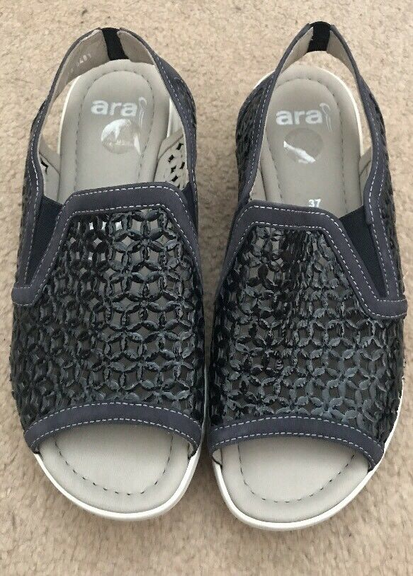 Ladies Sandals. Small Wedge. Padded Footbed. Ara. Size 4.5. bluee. Brand New.