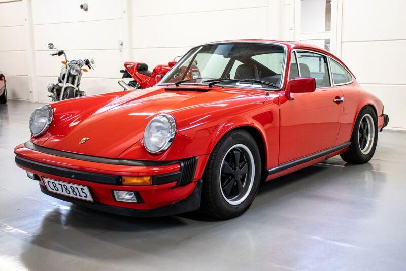 Porsche 911 S - 2