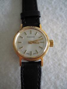 NOS-NEW-VINTAGE-STEEL-NIDOR-REVUE-SWISS-WATCH-1960-039-S