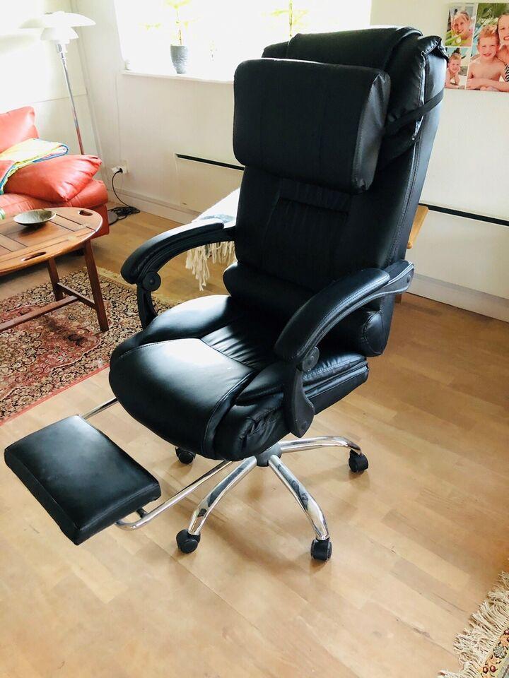 Skrivebordsstol i skind ubrugt sælges. Gamerstol.