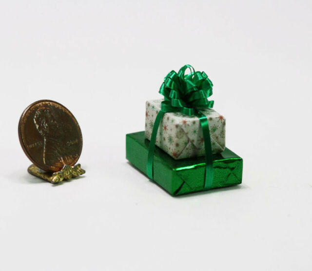 Dollhouse Miniature 1:12 Scale Red Christmas Holiday Poinsettia Wrapped in Foil