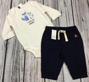 Fox GAP Logo Shirt /& Navy Blue Pants Nwt Baby Gap Boys 0-3 Months Outfit