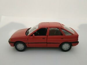 1-43-FORD-ESCORT-MKV-MK5-5-SCHABAK-COCHE-METAL-DIECAST-SCALE-ESCALA