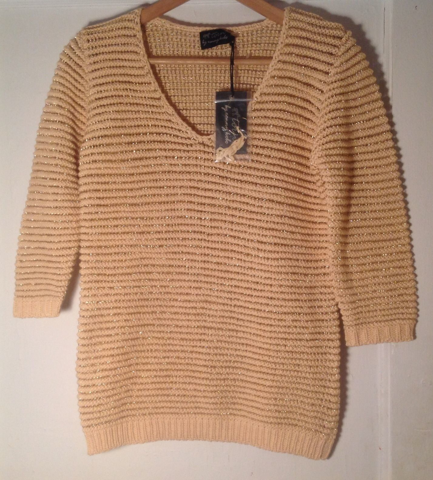 TORN By RONNY KOBO NEW AUTH Woherren Betsi Sweater in Ivory & Gold Größe S