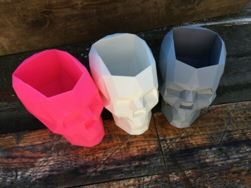Geometric Low Polygon Design Skull Plant Pot in many colours Qty:1 drainage