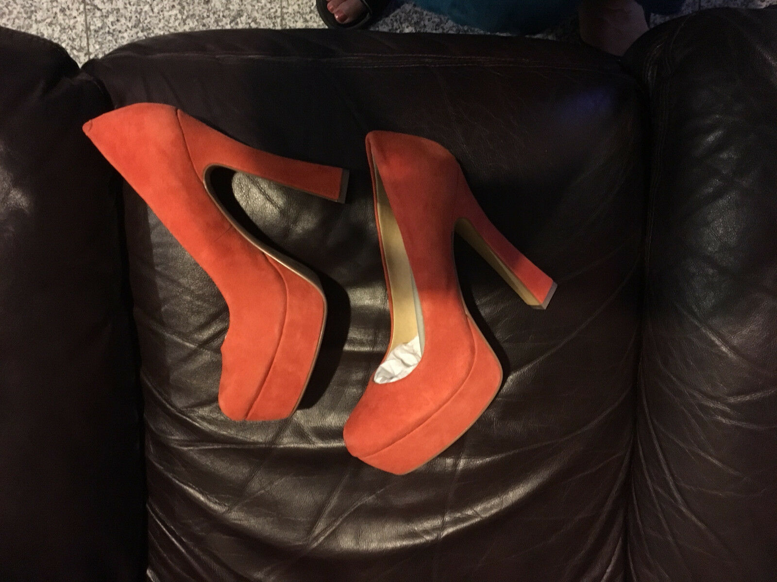 Chinese Laundry Laundry Moving On  9 M Pumpkin  Suede  Platform Pump Round NIB