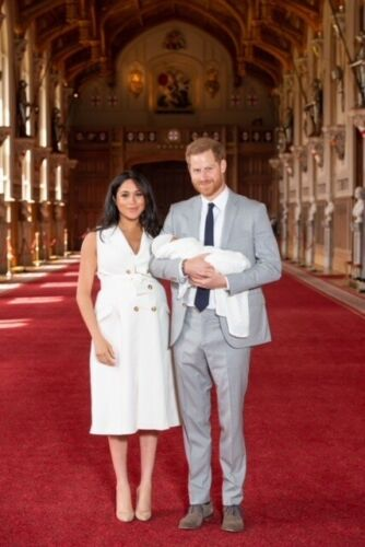 """HARRY /& MEGHAN MARKLE WITH NEW BABY ARCHIE /""""FORMAL/"""" FRIDGE MAGNET 5/"""" X 3.5/"""""""