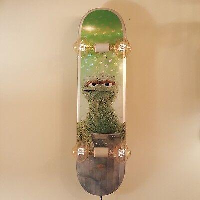 Globe X Sesame Street Oscar The Grouch Skateboard Light Lamp