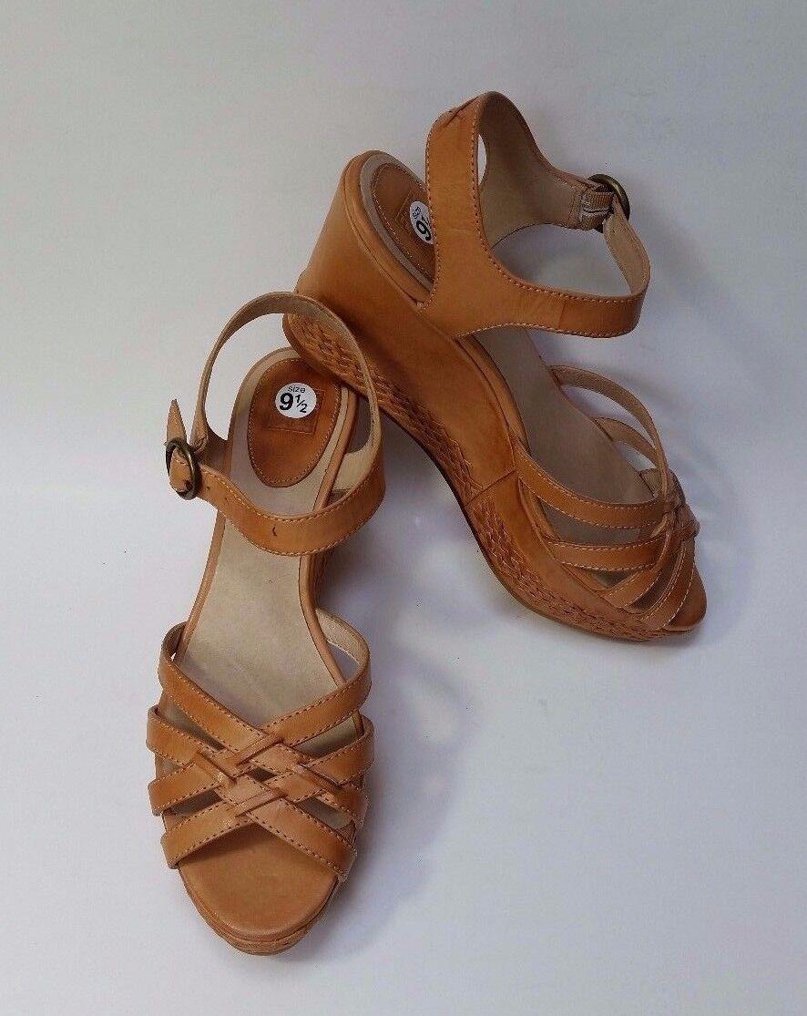 sconto Frye scarpe Sandals Platform Carlie-2-Piece Natural Natural Natural Tan Leather donna Dimensione 9.5 M  marchi di stilisti economici