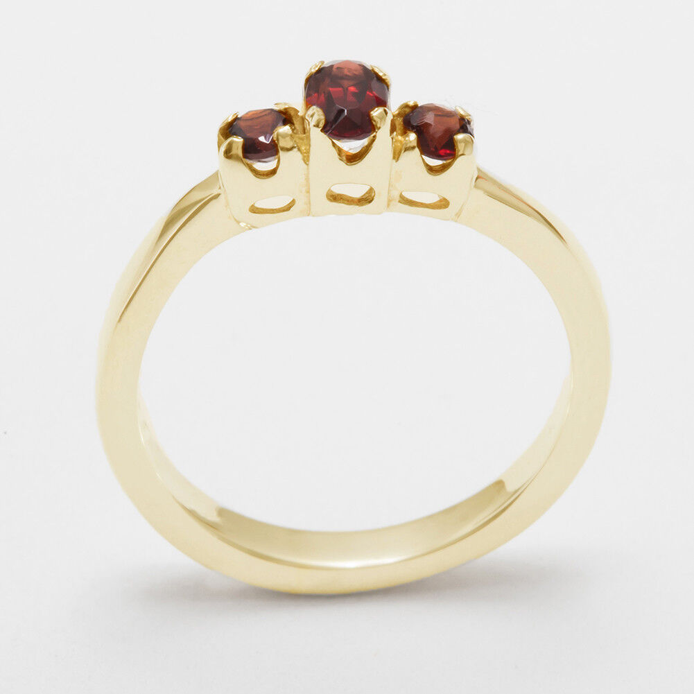 18ct 750 Yellow gold Natural Garnet Womens Trilogy Ring - Sizes J to Z