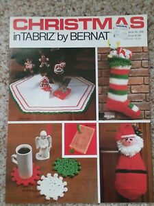 Crochet Collector/'s pattern leaflet Christmas Tree Skirt