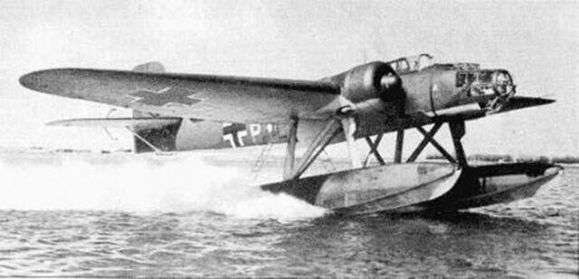 Heinkel He 115 TorpedoBomber Seaplane Aircraft Mahogany Wood Model Small New