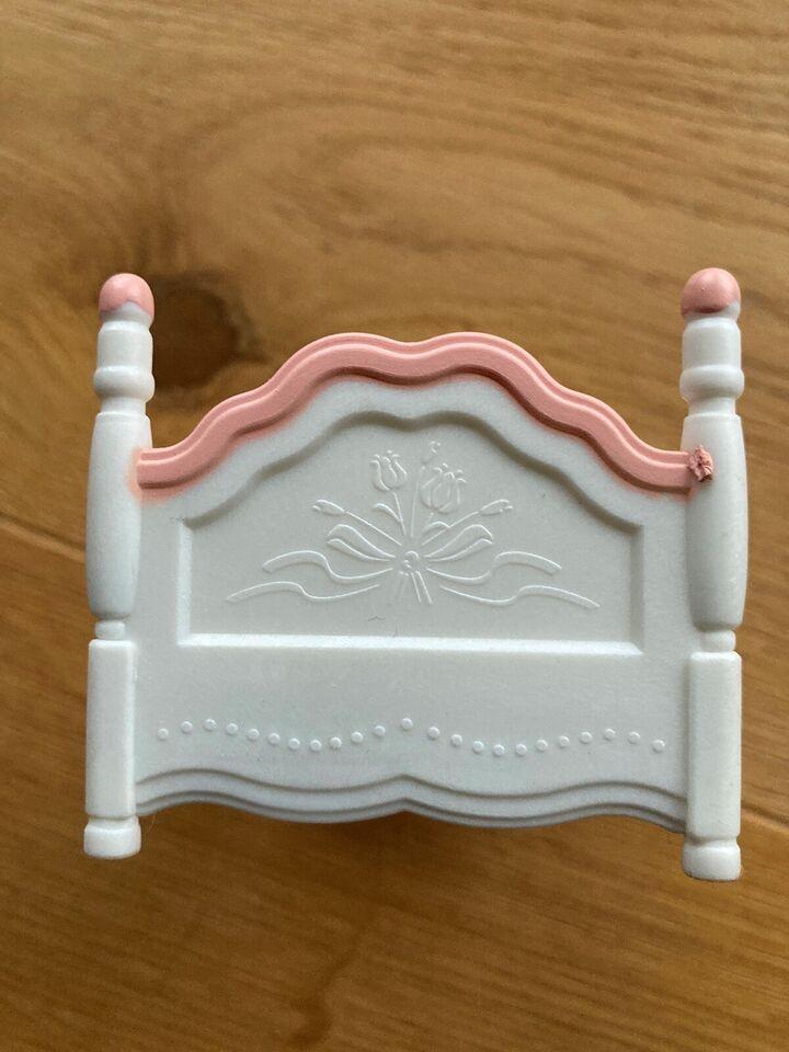 Dukkehus-møbler, Seng med puder