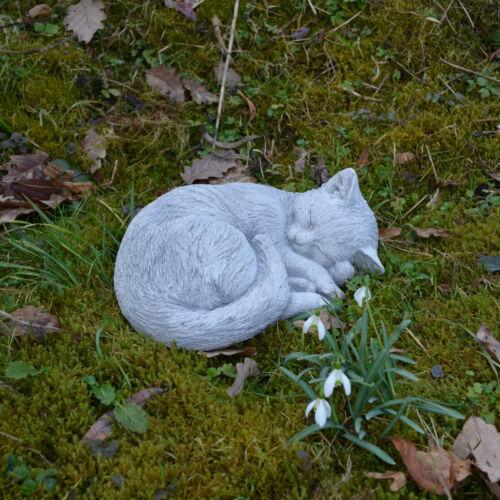 Massive Steinfigur Katze Kätzchen Gartendeko Raumdeko aus Steinguss frostfest
