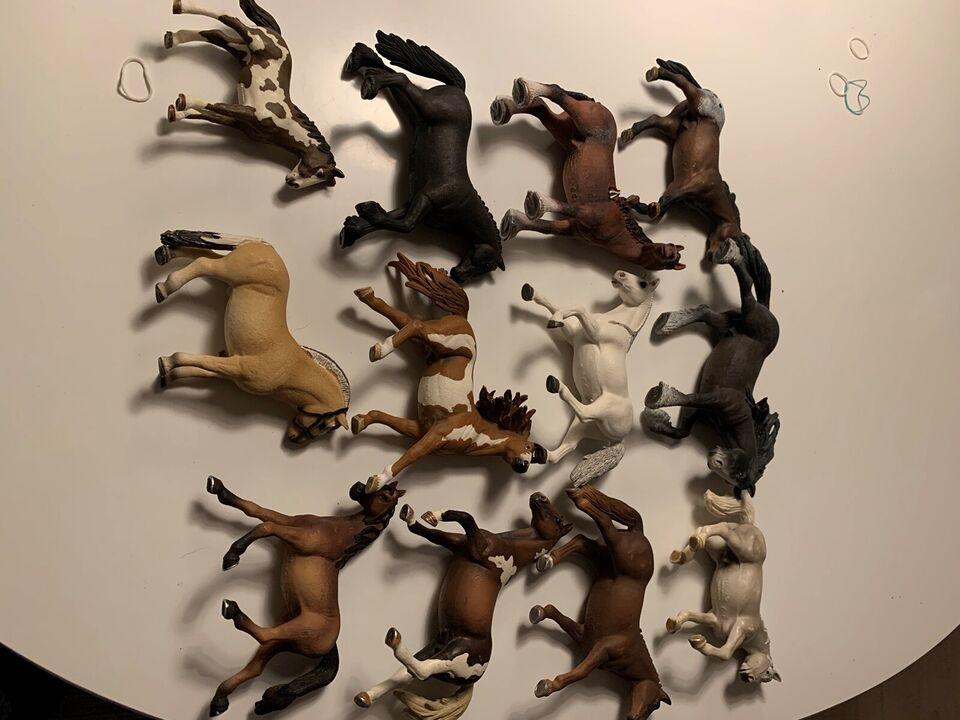 Stald, Hestestald, heste og springbane.