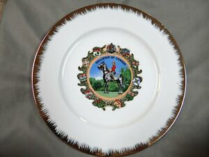 Souvenir-of-Canada-Canadian-Mountie-Decorative-Collector-Plate-vintage