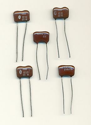 30 LOT PACK OF NOS SILVERED MICA CAPACITORS 6 DIFFERENT VALUES