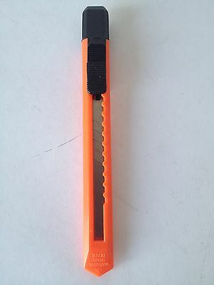 Office / Arts and Crafts sharp blade - plastic case,retractable, Orange,