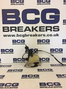 2004 VOLKSWAGEN PASSAT DOOR LOCK - Newry, United Kingdom - 2004 VOLKSWAGEN PASSAT DOOR LOCK - Newry, United Kingdom