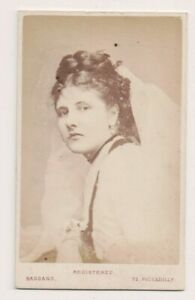 Vintage-CDV-Gwendolen-Fitzalan-Howard-wife-Of-3Rd-Marquess-Of-Bute-Bassano-Photo