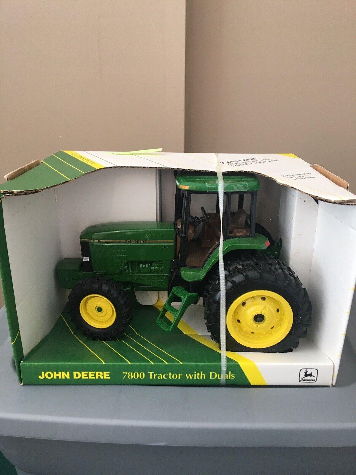 Tractor 7800, con mfwd y Doble embrague, escala 1   16, John Deere - stock