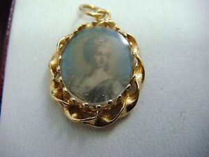 ! NICE 14K YELLOW GOLD VINTAGE LADIES PORTRET SMALL PENDANT-CHARM, 2.2 GRAMS.