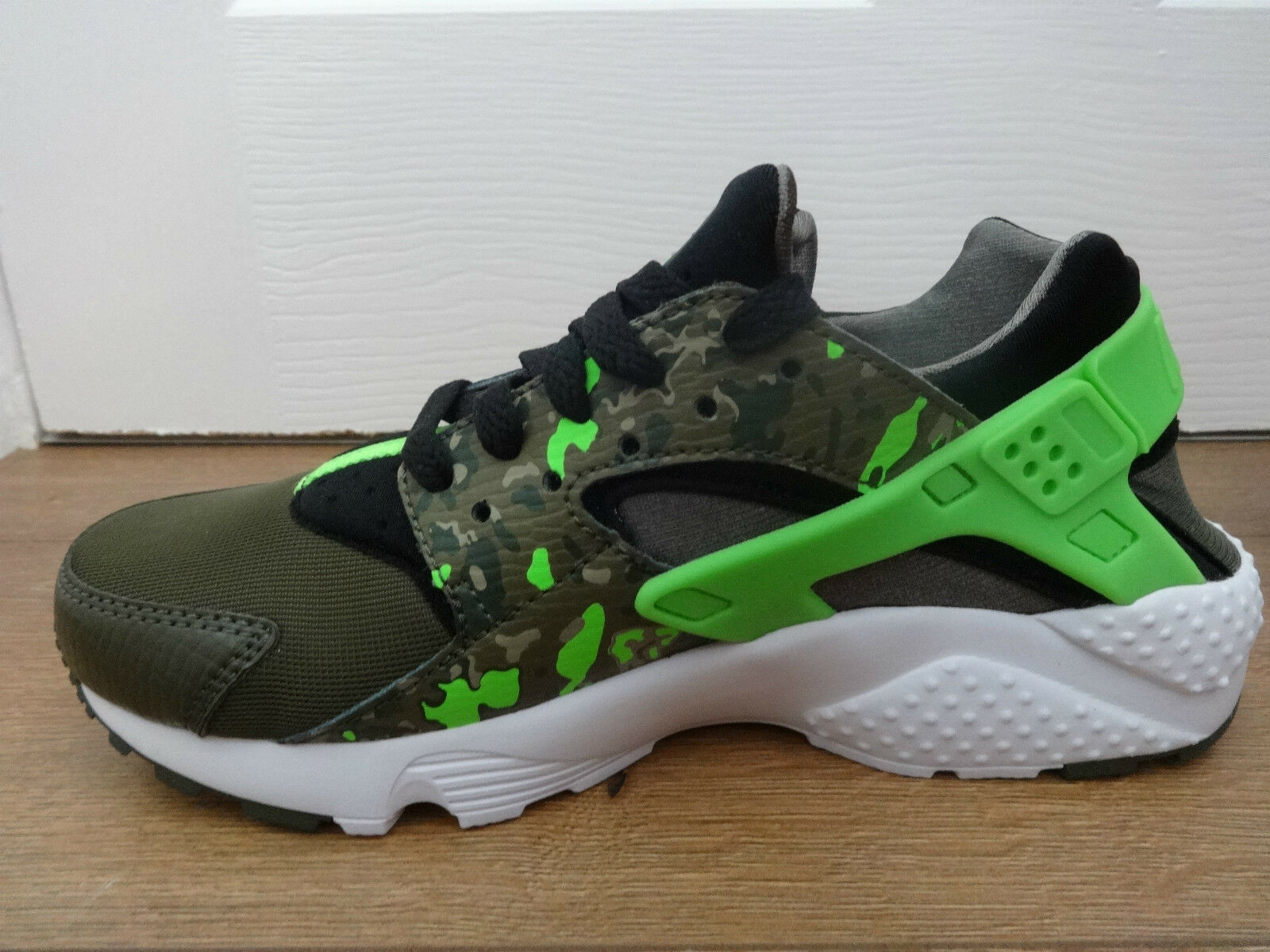 the latest 3f1c9 88b55 Nike Huarache Run Print GS Green Black Kids Womens Running Shoes 704943-007  UK 5  eBay