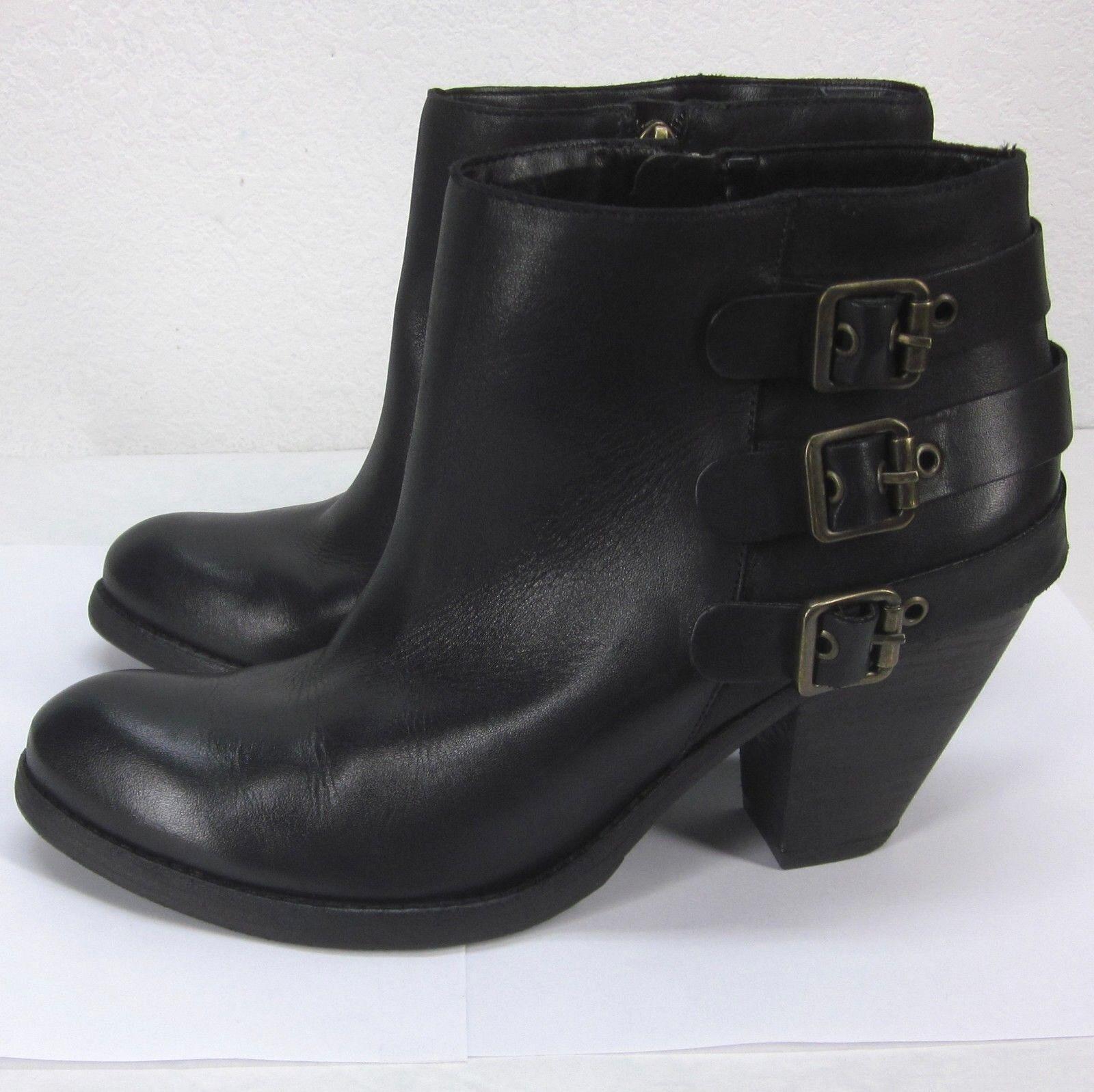 da non perdere! SCHUTZ  SHER  Three Buckle Buckle Buckle nero Leather Side Zip Ankle stivali Donna  10.5B US  fino al 42% di sconto