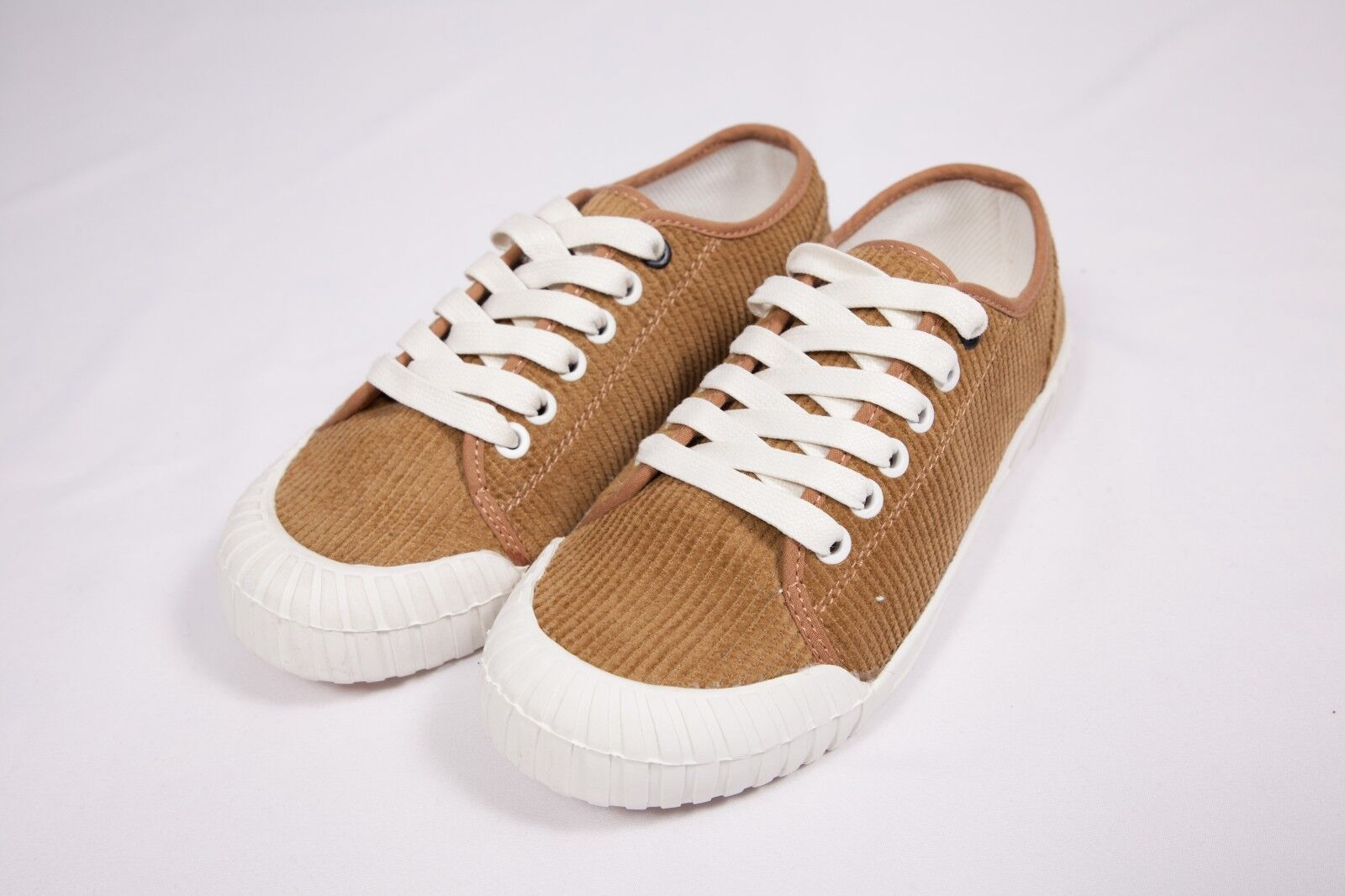 Good News Unisex Trainers Brand New Low Plush Sport Casual shoes SIZE