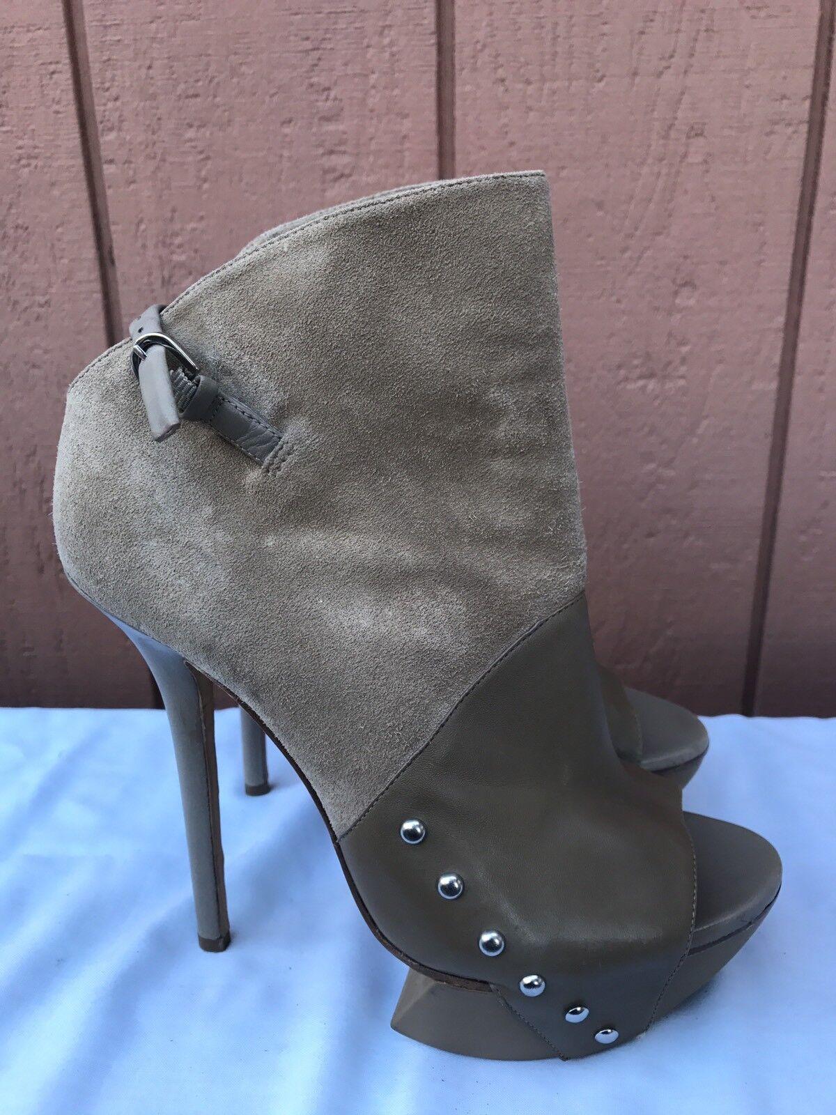 RARE EUC Camilla Skovgaard Beige Suede Peep Toe Fashion Ankle Boot US 8.5