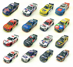 Lionel-Racing-Wave-3-1-64-Chevrolet-Ford-Nationwide-Patriotic-Diecast-Car