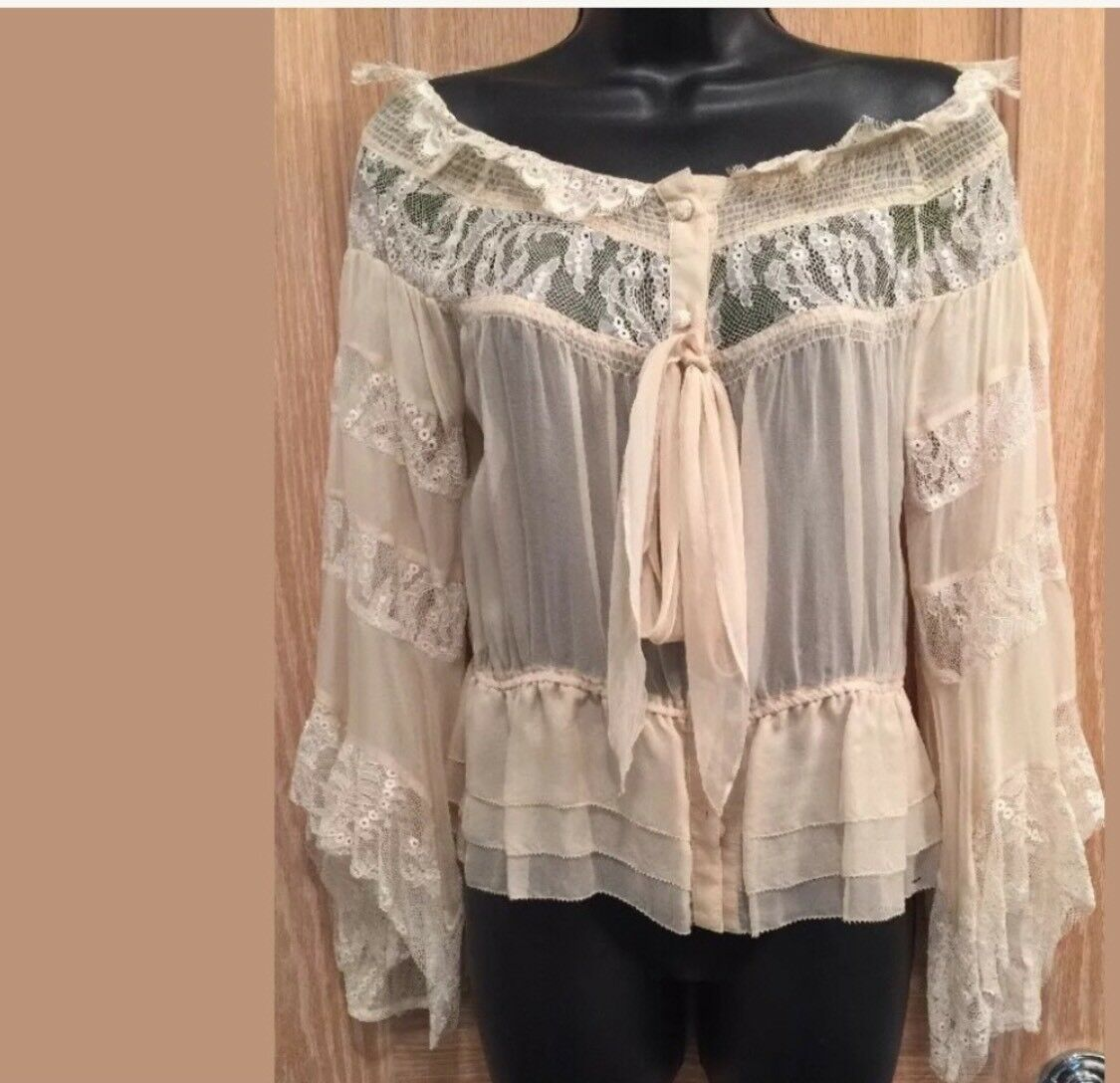 Robert Rodriguez Lace And Ruffle Ivory Bell  Sleeve Size 2