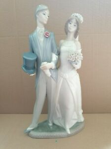 "Lladro Bride and Groom  1404 Wedding Large Figurine 12"" tall perfect."