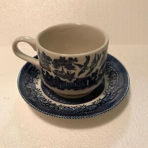CHURCHILL-BLUE-WILLOW-CUP-amp-SAUCER-MADE-IN-ENGLAND-Vintage-With-Crazing
