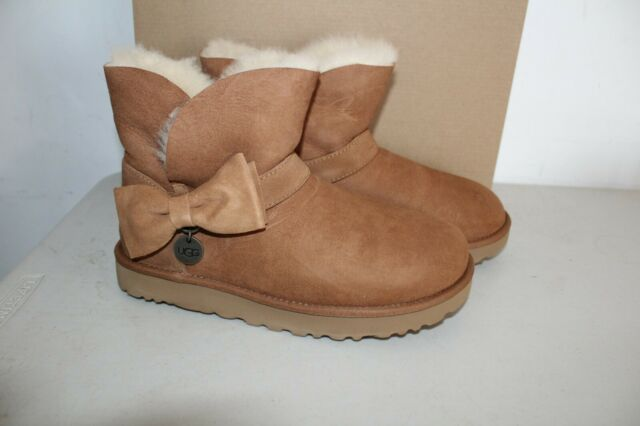 Uggs Australia UGG Suede Mini Bow BOOTS
