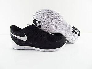 wholesale dealer c13b2 9caa7 Das Bild wird geladen Nike-Free-5-0-Damen-Schwarz-Grau-Running-