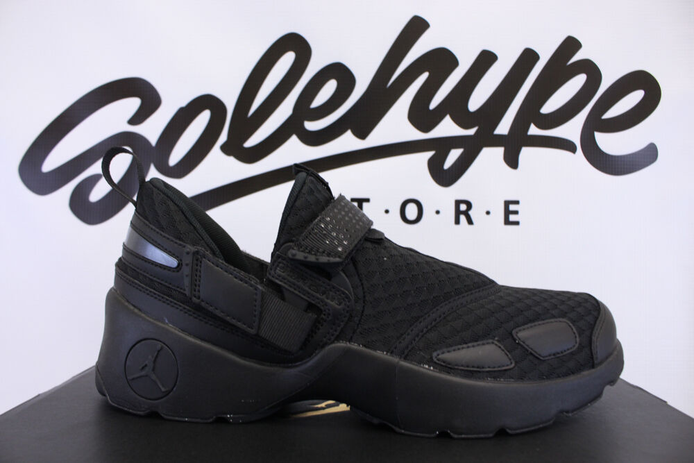 NIKE AIR JORDAN TRUNNER LX TRIPLE BLACK OG TRAINING 897992 020 Price reduction Seasonal clearance sale